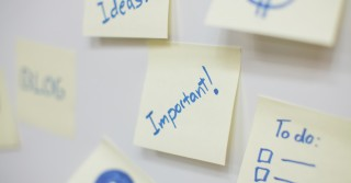 sticky-notes-important